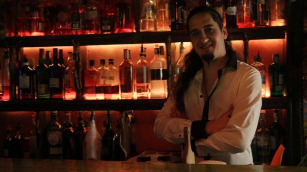 Михаил Нейков, водещ на предаването Сами в бара